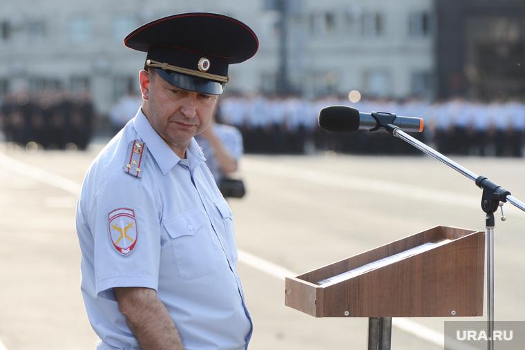 Гарнизонный развод сил и средств полиции, задействованных в очередном оперативно-профилактическом мероприятии «Ночь». Челябинск