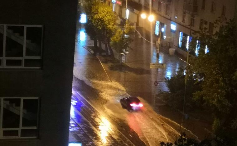 На Екатеринбург обрушился очередной ураган. Последствия. ФОТО