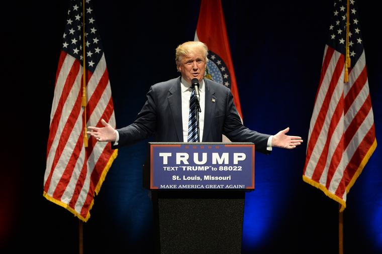 Трамп прятался в бункере во время беспорядков в Вашингтоне