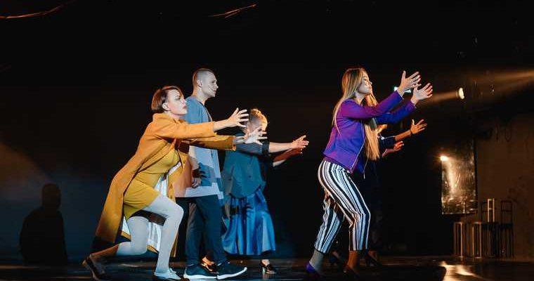 театр Музкомедии Карасьеозерский-2 элитный поселок Екатеринбург