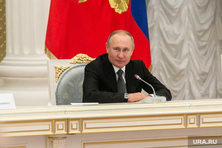 Путин наградил врачей за борьбу с коронавирусом