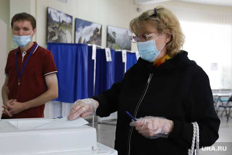 Избирательный участок по общероссийскому голосованию по поправкам в Конституцию РФ. Курган