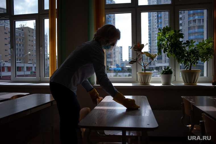 Зарплаты учителей повысят