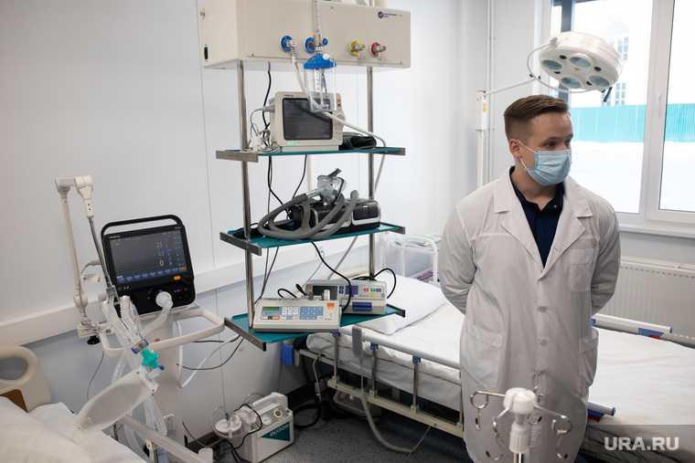 Бизнесмен Олег Дерипаска на открытии медицинского центра в Краснотурьинске. ЧАСТЬ