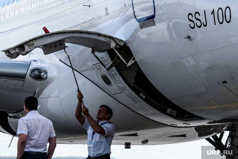 суперджет SSJ100 бортовое радиоэлектронное оборудование американская компания