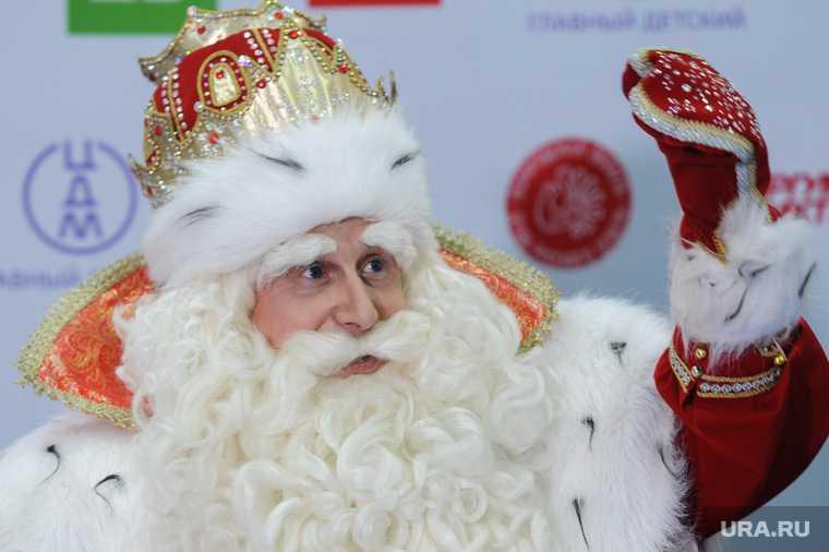 В Тюмени можно заказать Деда Мороза с антителами от коронавируса