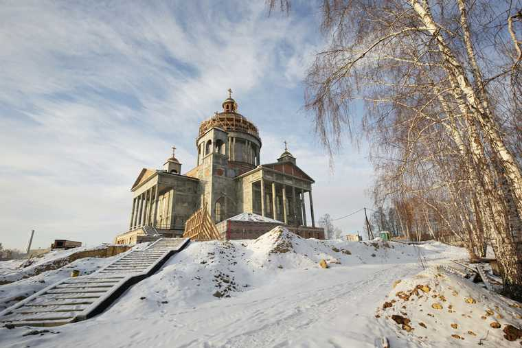 Челябинский олигарх дал РПЦ миллиард на постройку собора. Фото