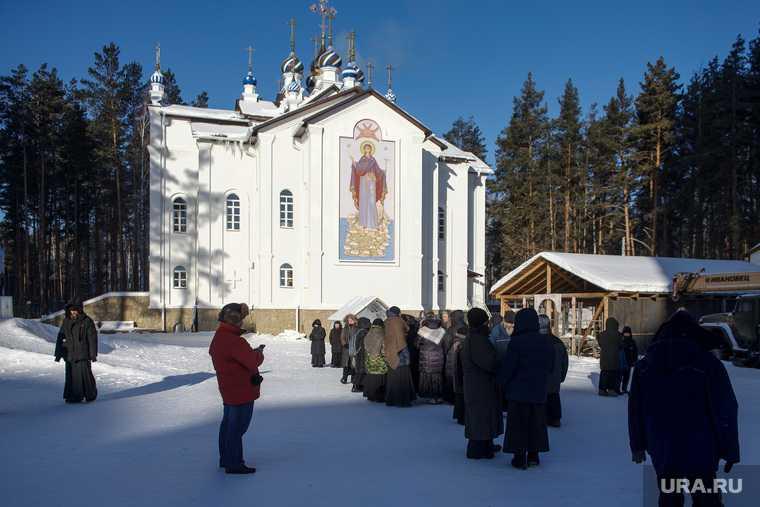 митрополит Кульберг Среднеуральский монастырь обыски ОМОН отец Сергий