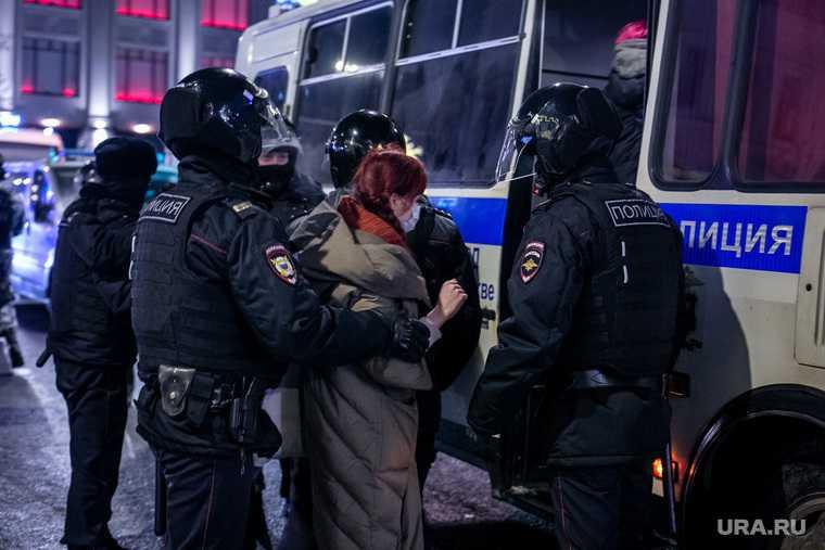 нападение на полицию срок
