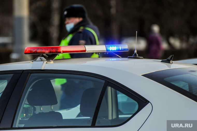 В ЯНАО водитель устроил погоню и угрожал ножом полицейским