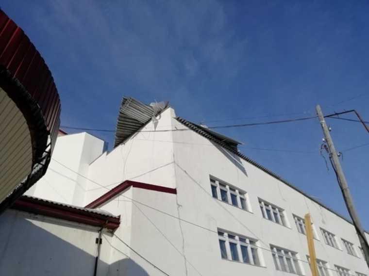 Шторм сорвал крышу пожарной части в ЯНАО. Фото