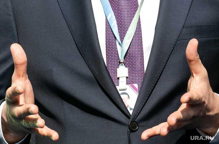 новости хмао депутат публично бросил вызов вызвал на батл проект по благоустройству дворов в ханты-мансийске личная неприязнь Молчанов директор водоканала хм