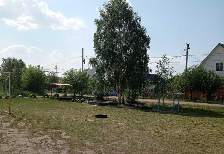 Курганцев обязали платить аренду за детскую площадку. Фото