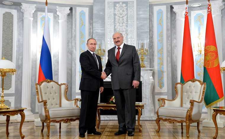 что привез Путину в чемодане
